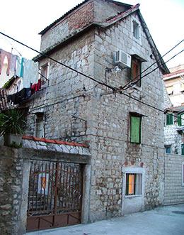 Welcome to hostel split mediterranean house for Split mediterranean house